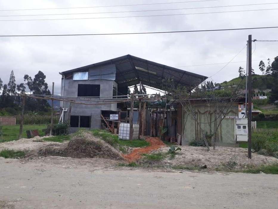 HERMOSA CASITA CON LOTE EN JIPIRO PARAÍSO