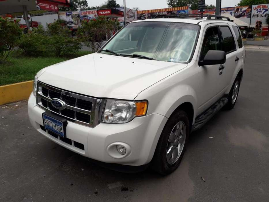Ford Escape 2011 - 82500 km
