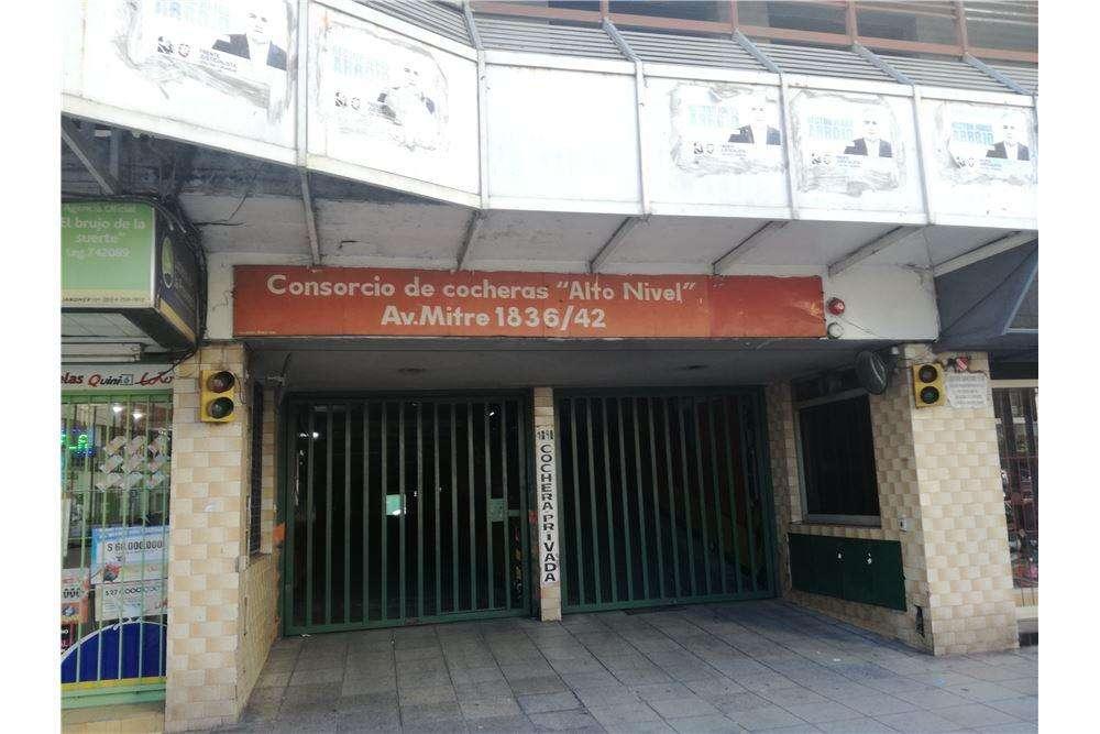 Cochera en Avellaneda