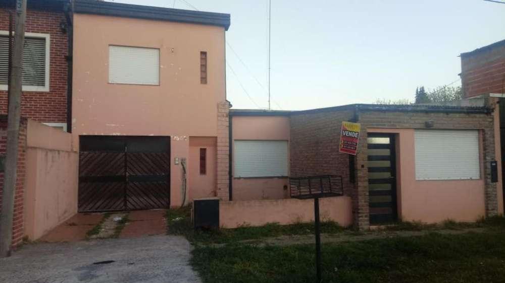 Venta Casa en Los Hornos 65 Y 146