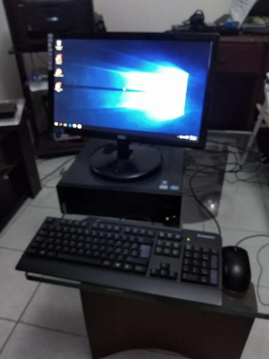 Computador Lenovo Thinkcentre M72e