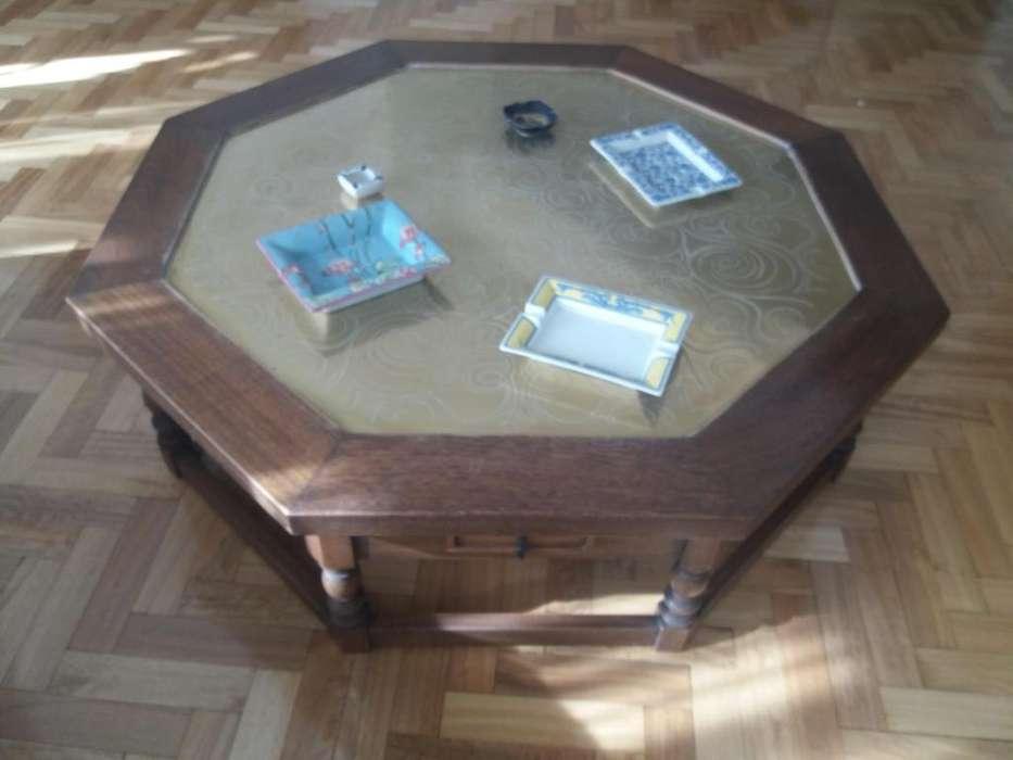Mesa roble y bronce