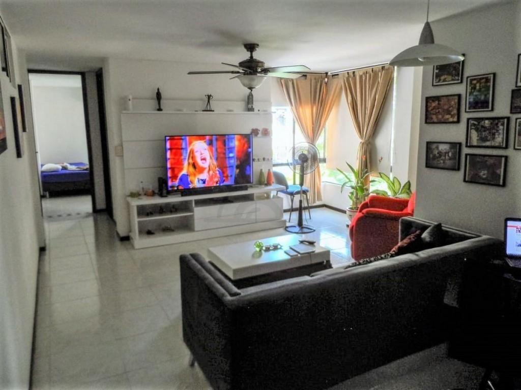 Acogedor apartamento de 3 alcobas en El Rodadero, cerca de la playa
