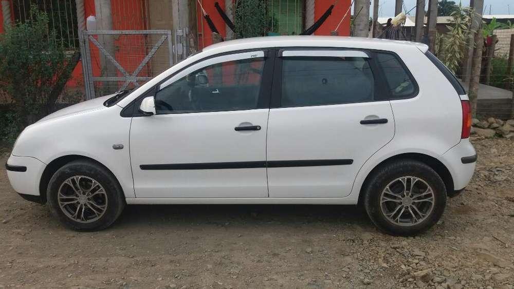 Volkswagen Otro 2004 - 18000 km