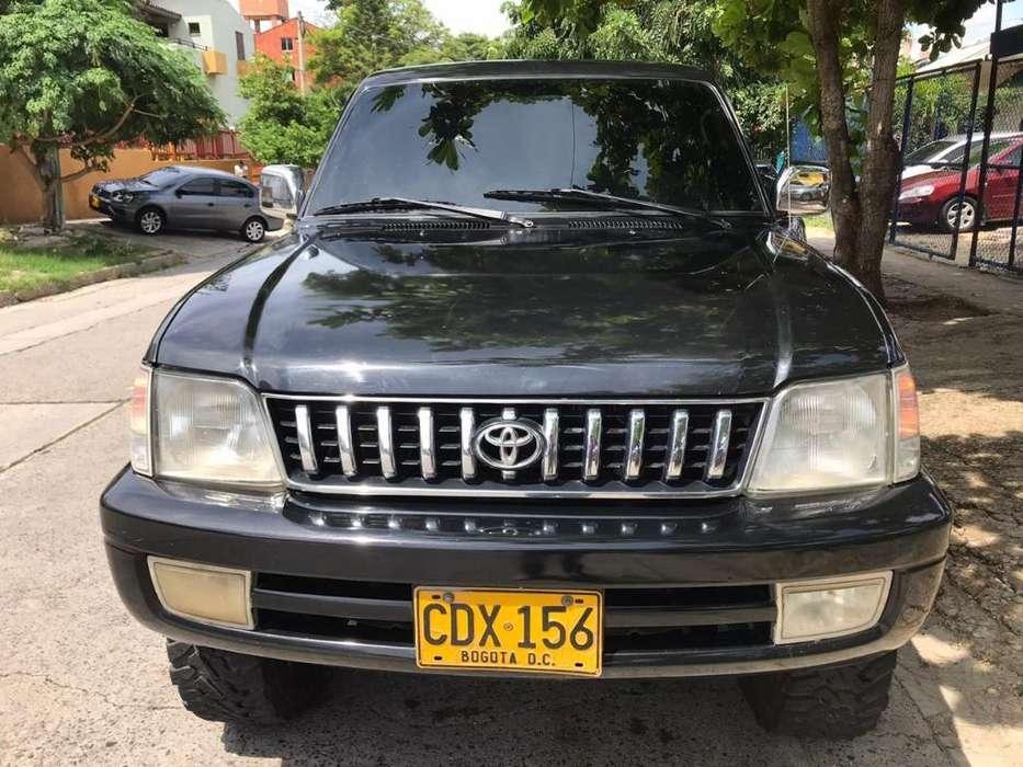 Toyota Prado 2008 - 243470 km
