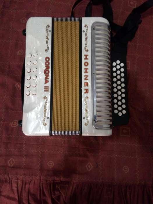 acordeon honner corona 3
