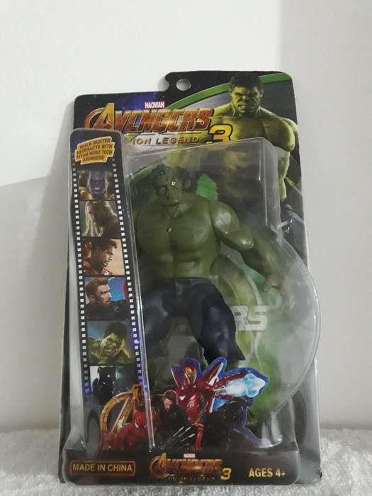 Muñecos Avengers con Luz