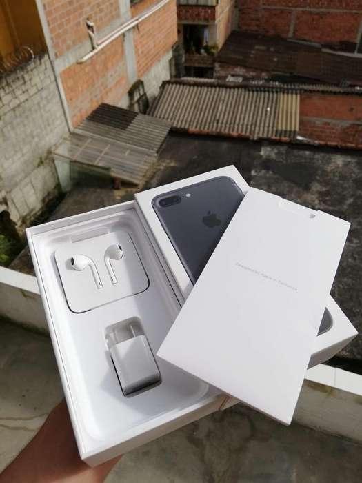 iPhone 7 Plus en Caja con Todo