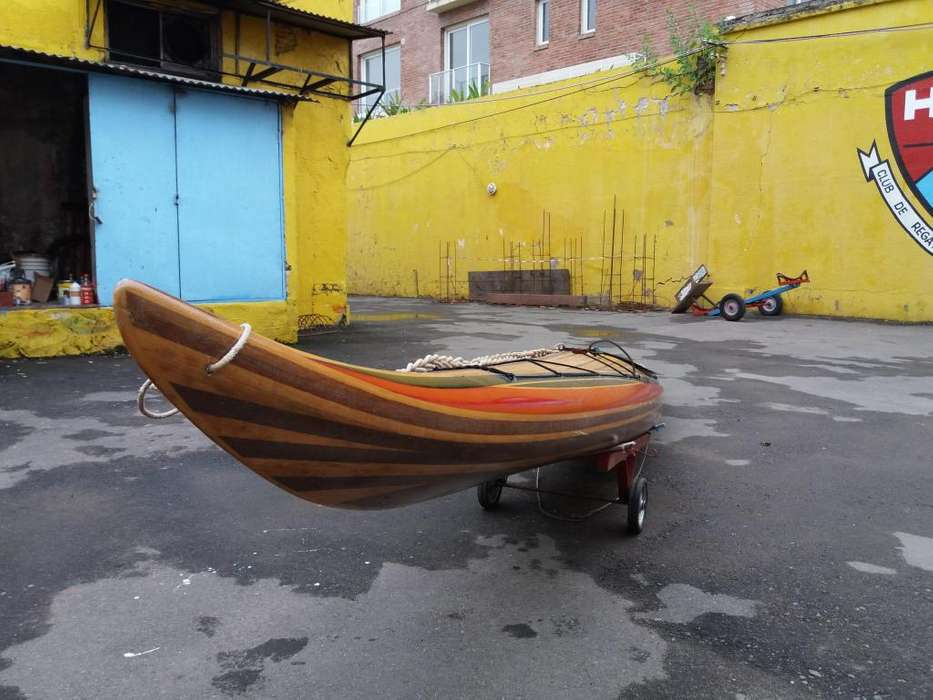 vendo kayak artesanal fabricado en tiras de madera y resina epoxi