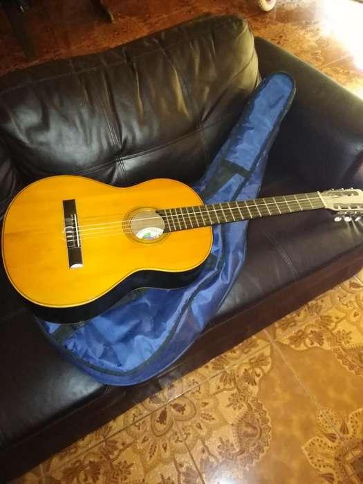 Vendo guitarra marca Villalta