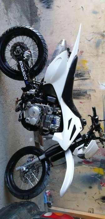 Motocicleta 10de10