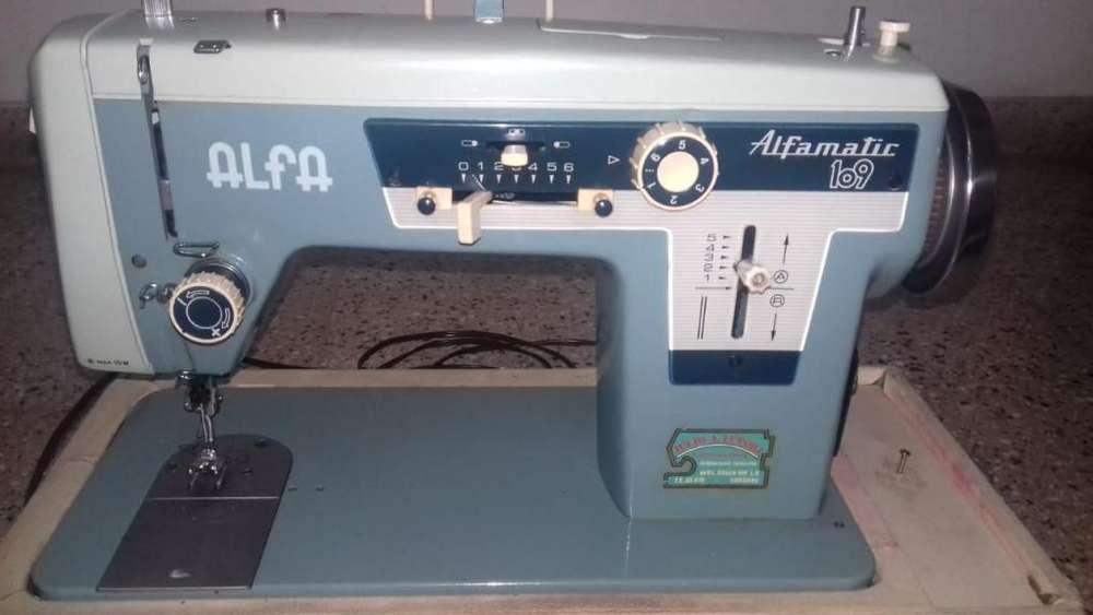 Máquina de coser semiindustrial Alfamatic 209