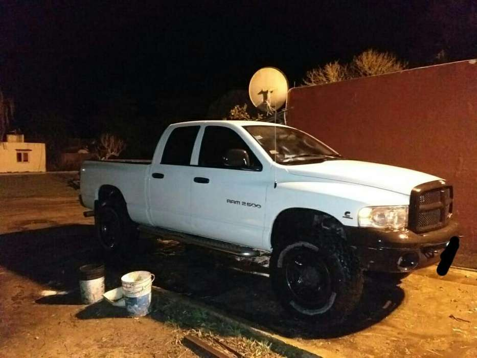 <strong>dodge</strong> Ram 2500 2006 - 130000 km