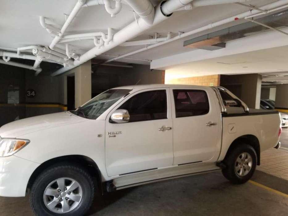 Toyota Hilux 2009 - 170000 km