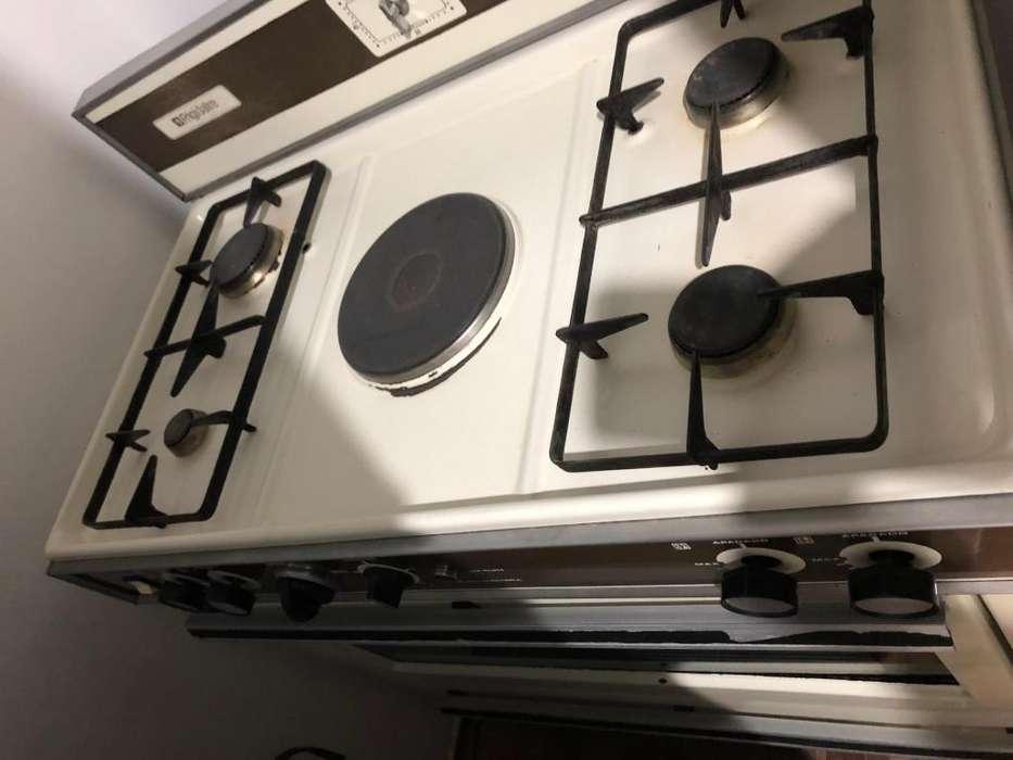 <strong>cocina</strong> antigua funcional horno gas 0983412804