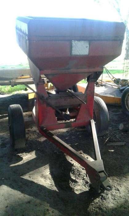 Abonadora/Sembradora avoleo HUICI modelo AS 450