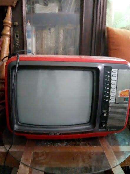 Antiguo televisor Toshiva