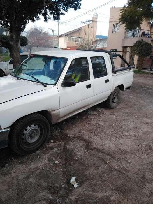 Toyota Hilux 1995 - 556000 km