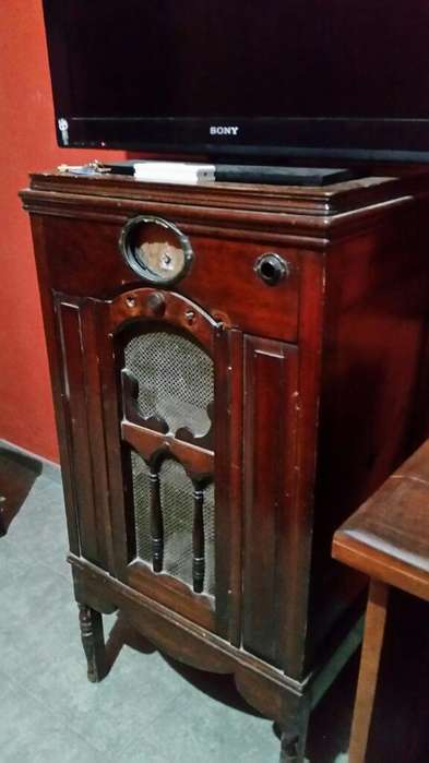 Vendo Radio Mueble Antigua Año 1930