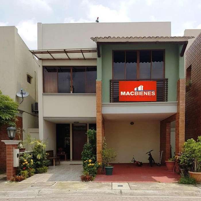 Venta de Casa en Urbanización Bali