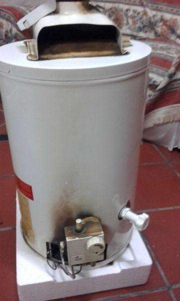TERMO ECOTERMO 30 LTS. GAS NAT. CONEXION INFERIOR