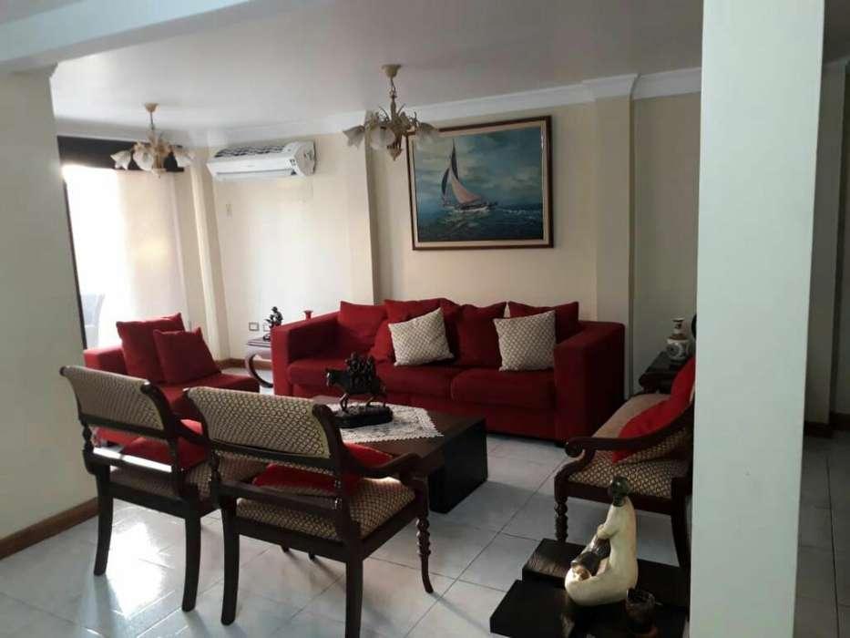 Samanes Vendo Amplia Casa 4 Habitaciones