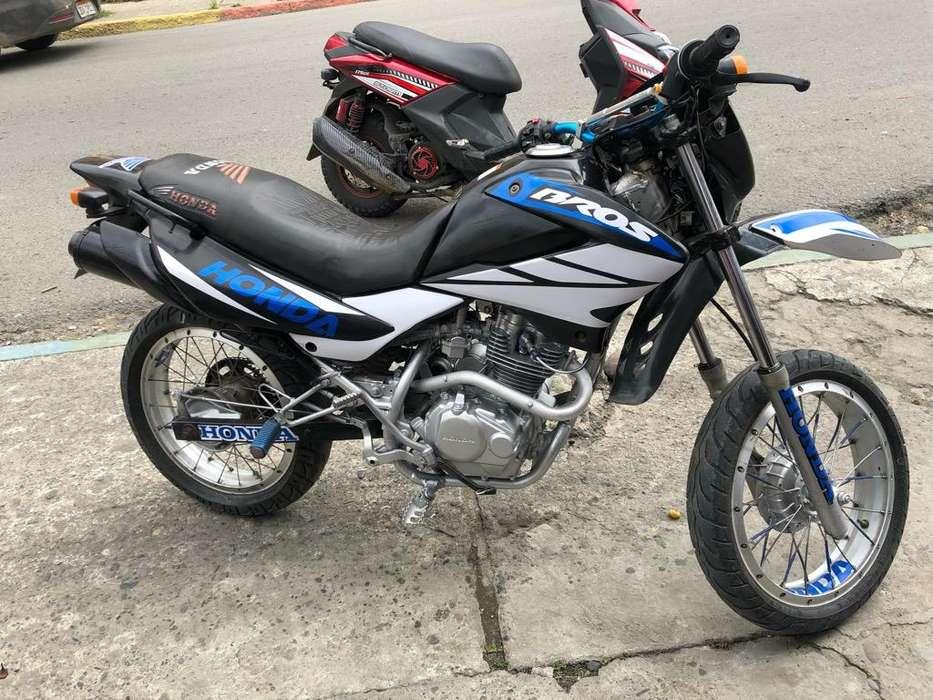 Moto <strong>honda</strong> Bross 125
