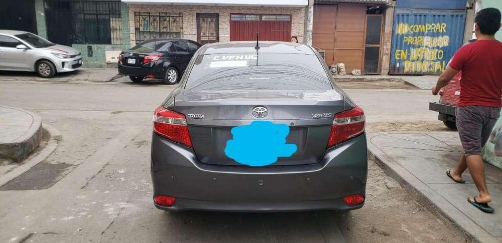 Toyota Yaris 2015 - 50000 km