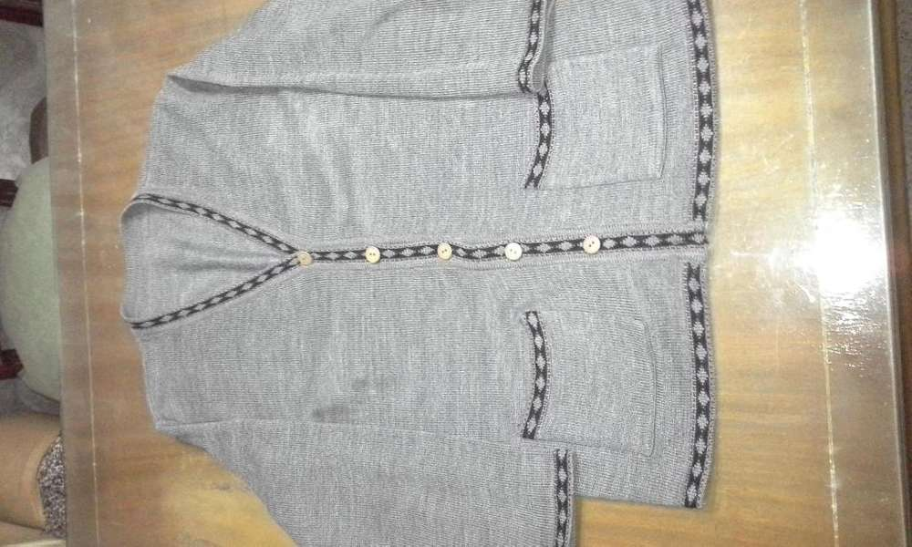 Chaleco de mujer, lana media estación, gris con guardas y bolsillos