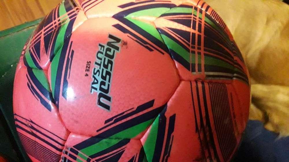 Vendo Pelota Futsal Nassau