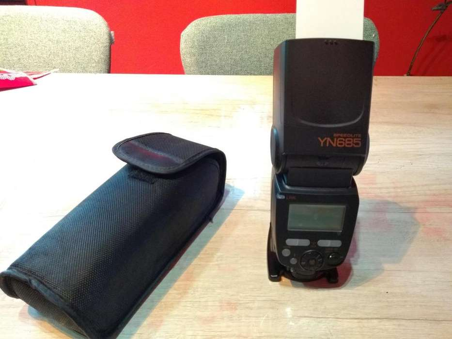 Yongnuo YN685 Wireless TTL Speedlite para Nikon
