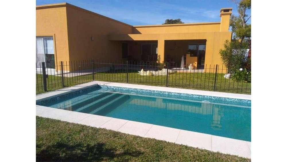 Barrio Santa Guadalupe, Pilar Del Este Lote / N 0 - UD 239.000 - Casa en Venta