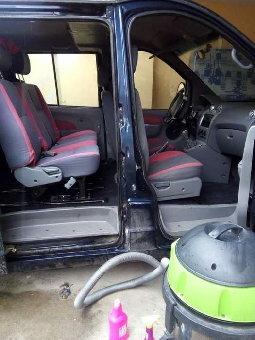 Aspirado Y Limpieza de Interior de Autos