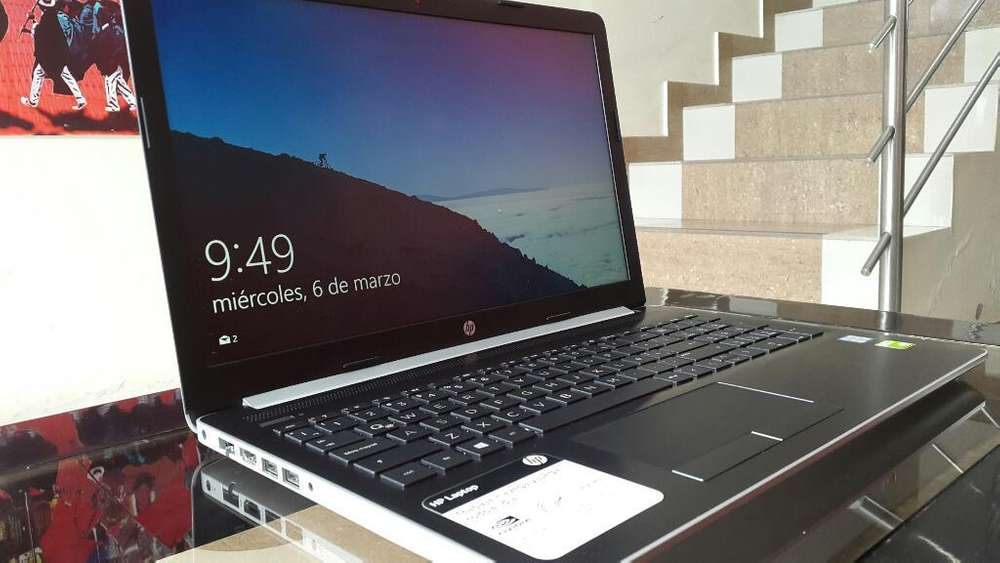 Laptop Hp Core I7 8 Va Gen Tarjeta Graf