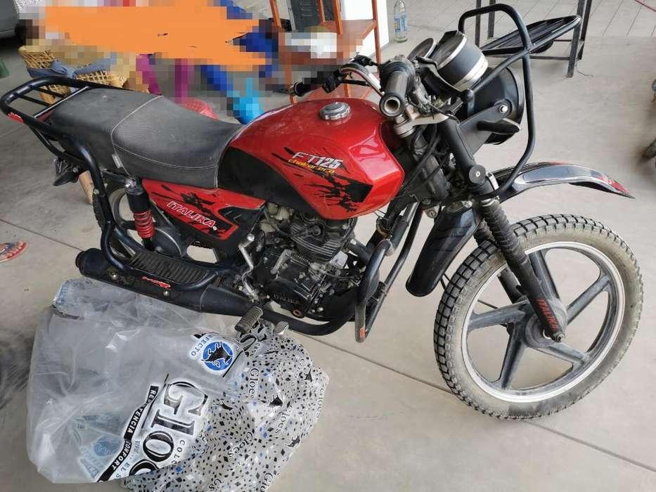 Moto Italika Akt 125 Chakarera