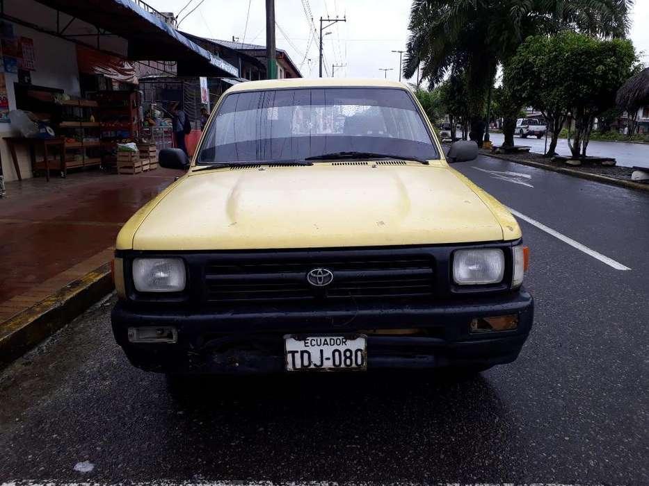 Toyota Hilux 1996 - 350000 km