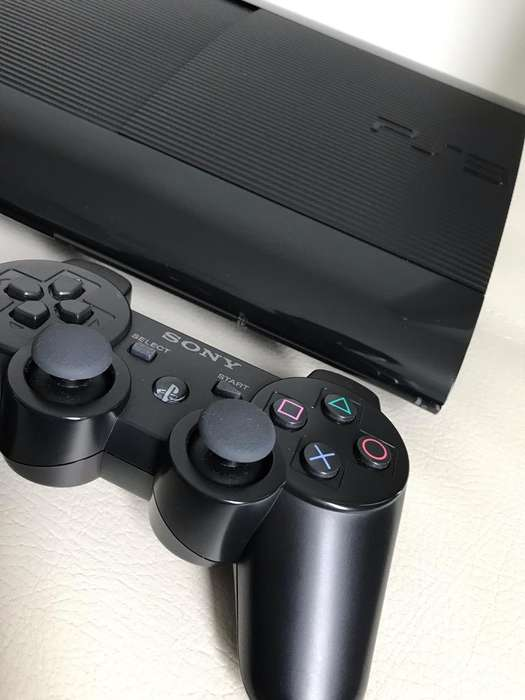 Vendo Play3 Super Slim 500 Gb