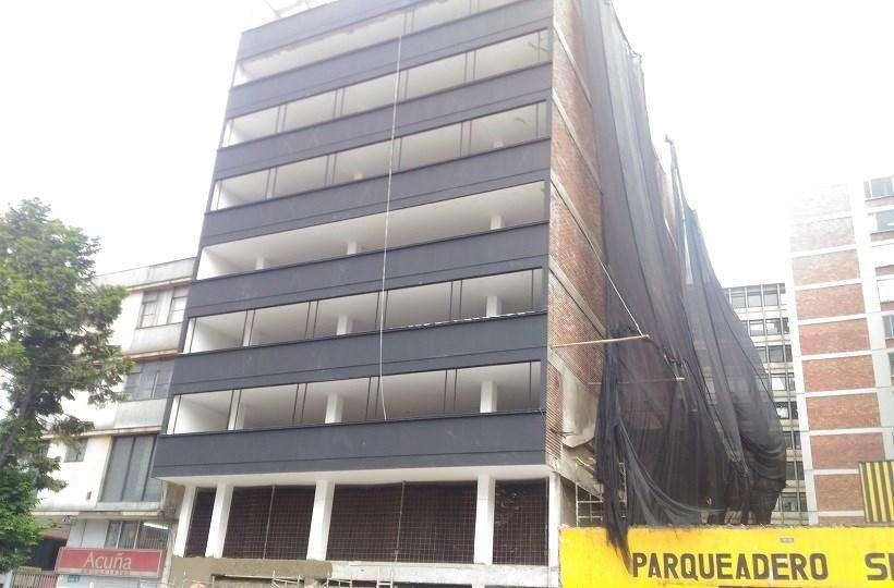 Edificio en Arriendo con Locales Comerciales en el Primer Piso 55569
