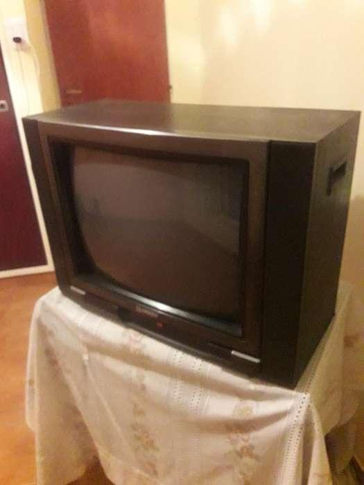 <strong>televisor</strong> Hitachi 21 Pulgadas