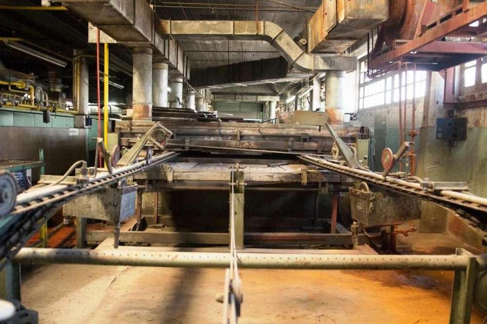 Rama secadora y termofijadora de tejidos marca MONFORTS, ancho 2,40 m