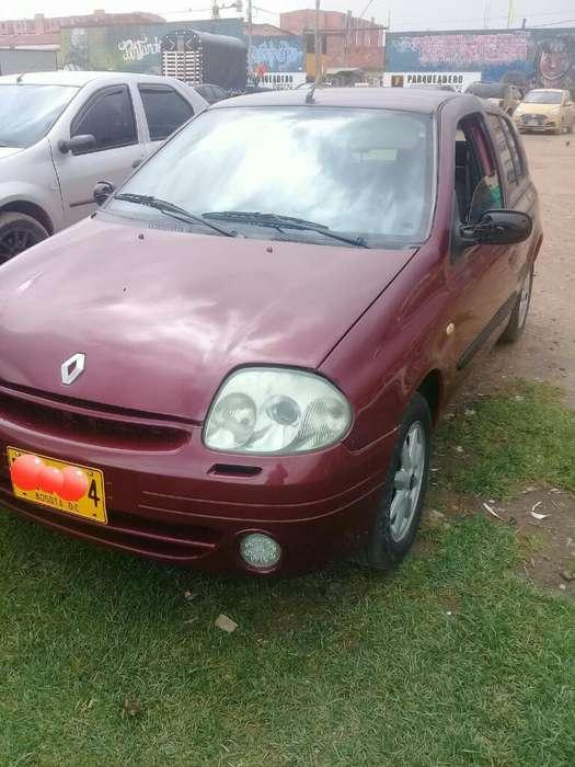 Renault Clio  2003 - 140000 km