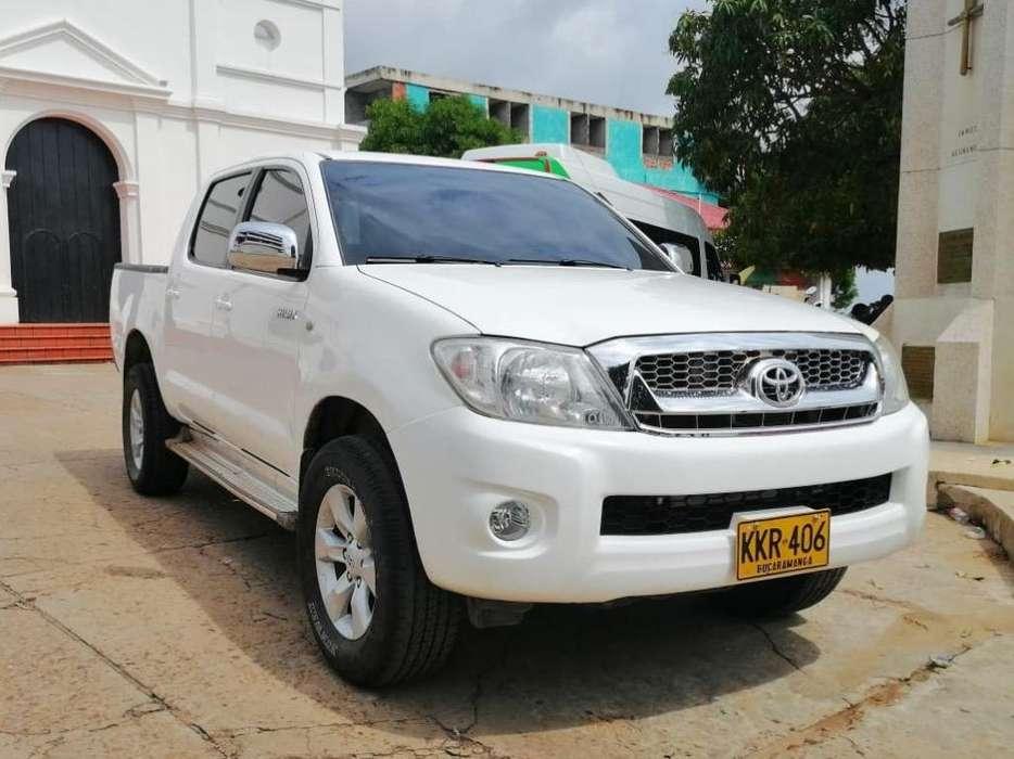 Toyota Hilux 2011 - 170000 km