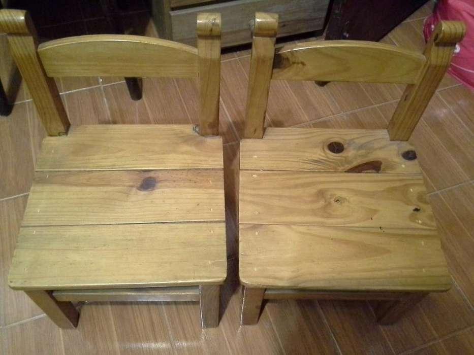 <strong>silla</strong>s De Pino Infantil barnizadas. Usadas, estado impecable!!