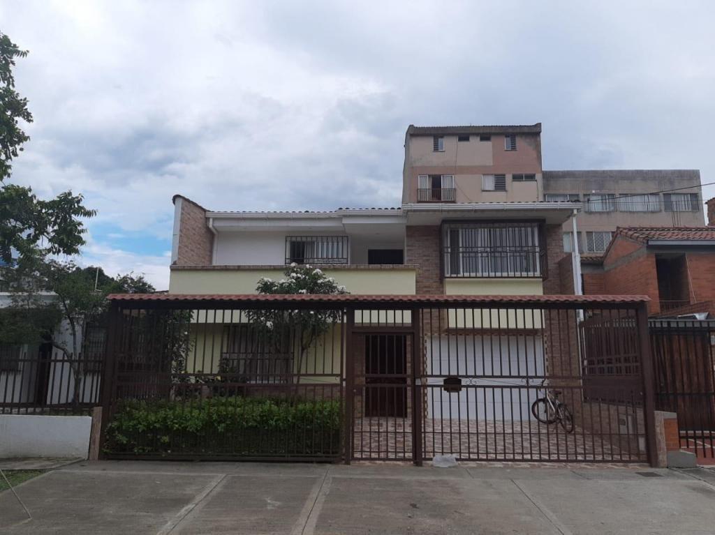 Casa Independiente en el Lido F.D Cod.1167320