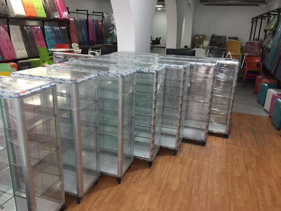 Fabrica de <strong>vitrina</strong>s en aluminio o en solo vidrio para droguerias tiendas farmacias y