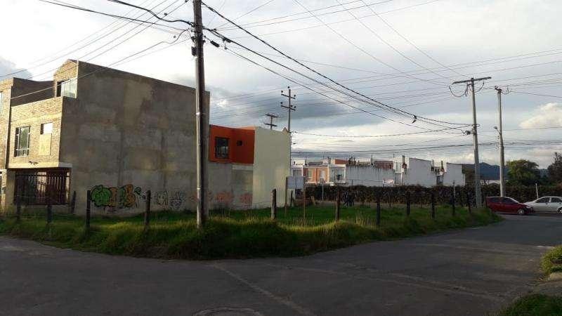 Lote En Venta En Chia Avenida Chilacos, Los Alcaparros Cod. VBAAV41000123