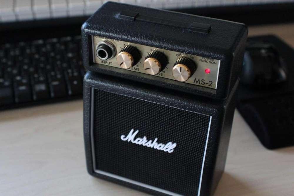 amplificador portatil marsahll para guitarra electrica