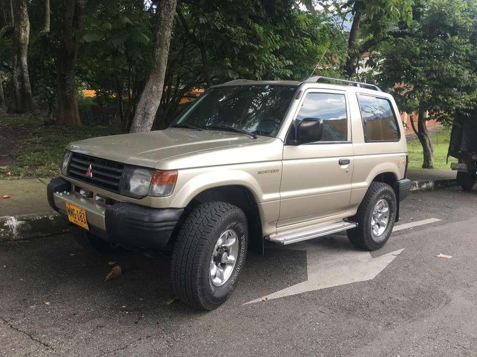 Mitsubishi Montero 1998 - 211000 km