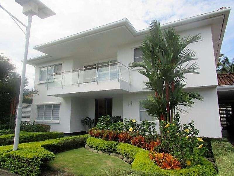 Casa Condominio En Venta En Cali Cañasgordas Cod. VBSBI10383