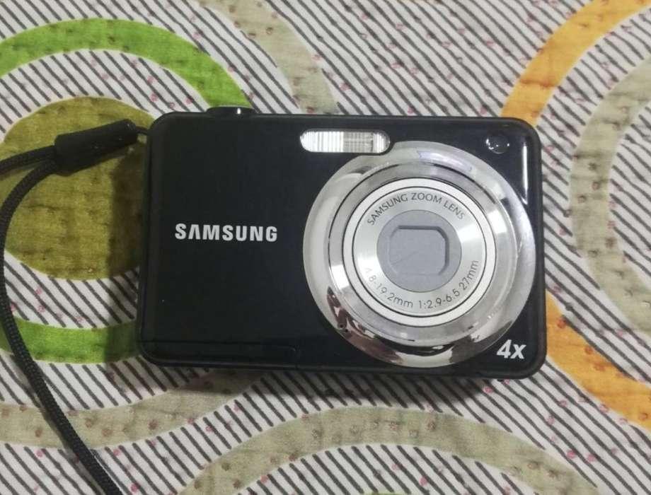 Camara Digital Samsung Zoom Lens 4x